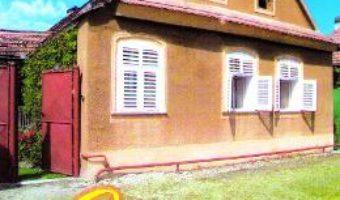Download  Casa de langa pod – Florina Mamina PDF Online